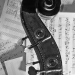 Kontrabass und Noten